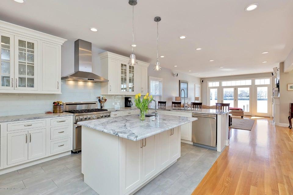 独户住宅 为 出租 在 24 Poole Avenue 24 Poole Avenue Avon, 新泽西州 07717 美国