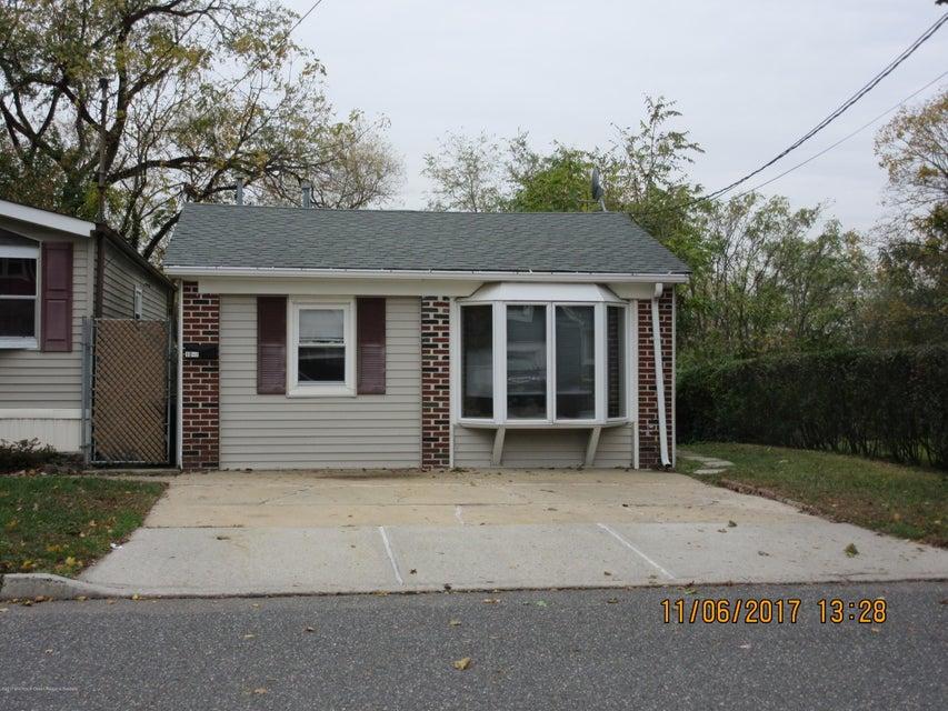 Casa Unifamiliar por un Alquiler en 10 Therese Avenue 10 Therese Avenue Keyport, Nueva Jersey 07735 Estados Unidos