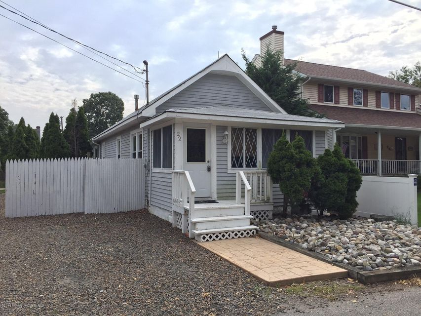 Single Family Home for Rent at 22 Longport Avenue 22 Longport Avenue Ocean Gate, New Jersey 08740 United States