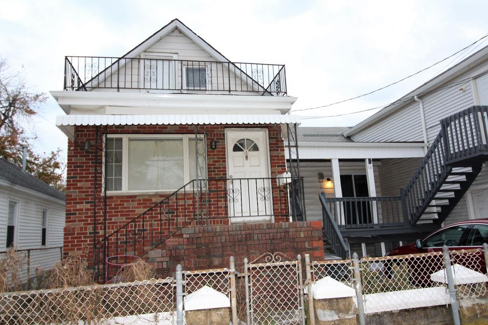 Single Family Home for Rent at 58 Highland Avenue 58 Highland Avenue Keansburg, New Jersey 07734 United States
