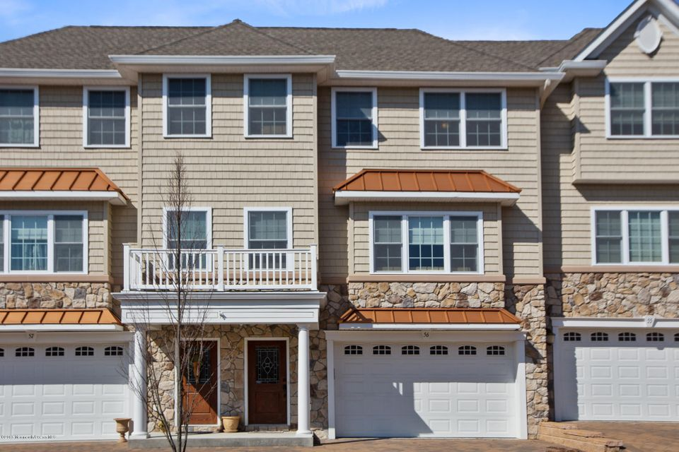 Einfamilienhaus für Verkauf beim 56 White Oak Lane 56 White Oak Lane Aberdeen, New Jersey 07747 Vereinigte Staaten