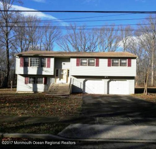 Maison unifamiliale pour l Vente à 76 Pine Drive 76 Pine Drive Roosevelt, New Jersey 08555 États-Unis