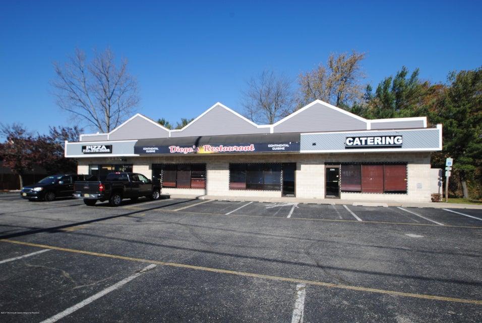 komerziell für Verkauf beim 2206 Route 37 2206 Route 37 Toms River, New Jersey 08753 Vereinigte Staaten