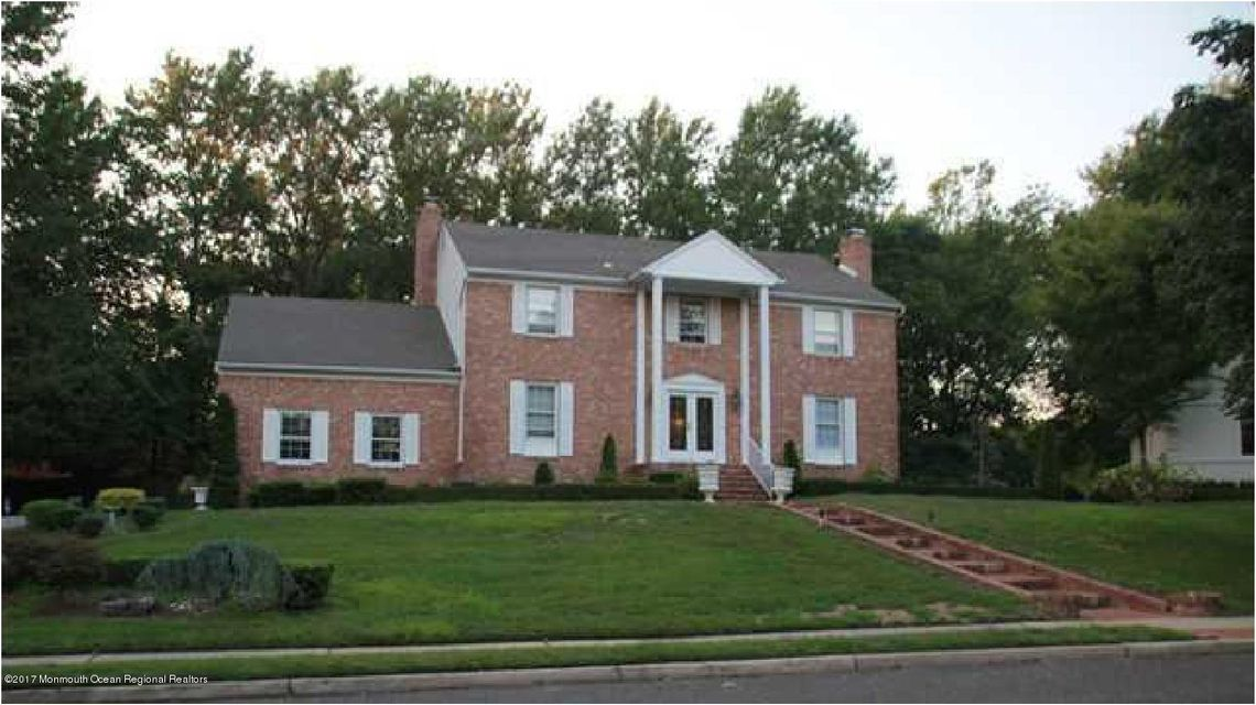 Single Family Home for Sale at 12 Shadow Lawn Drive 12 Shadow Lawn Drive Oakhurst, New Jersey 07755 United States