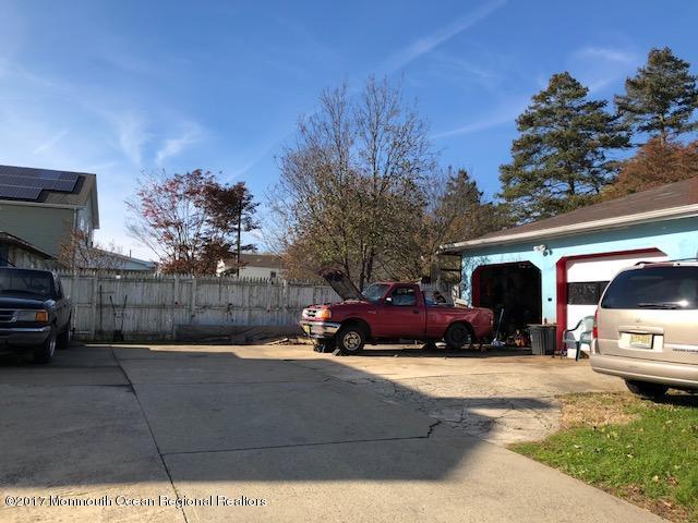 Oversized concrete driveway