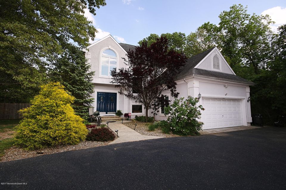 Maison unifamiliale pour l Vente à 79 Driftway Road 79 Driftway Road Howell, New Jersey 07731 États-Unis