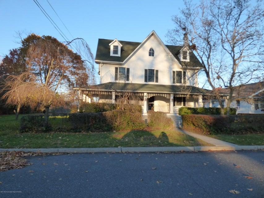 Maison unifamiliale pour l Vente à 96 Riverview Avenue 96 Riverview Avenue Neptune City, New Jersey 07753 États-Unis