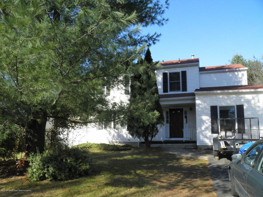 Single Family Home for Sale at 38 Szymanski Drive 38 Szymanski Drive Spotswood, New Jersey 08884 United States