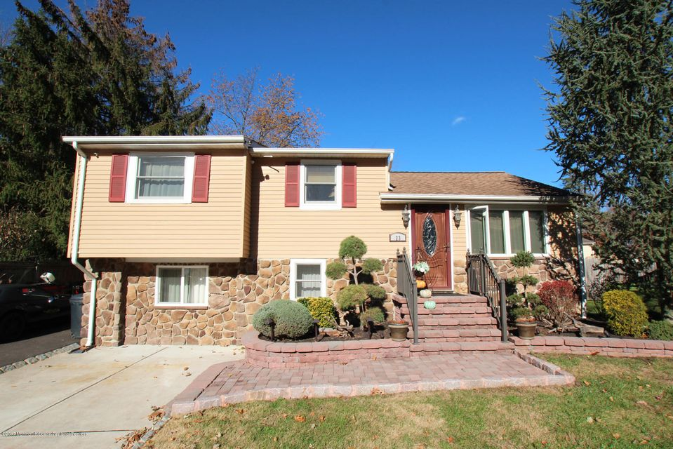 Single Family Home for Sale at 23 Baker Drive 23 Baker Drive Helmetta, New Jersey 08828 United States