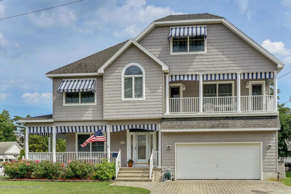 Single Family Home for Rent at 44 Jackson Avenue 44 Jackson Avenue Manasquan, New Jersey 08736 United States