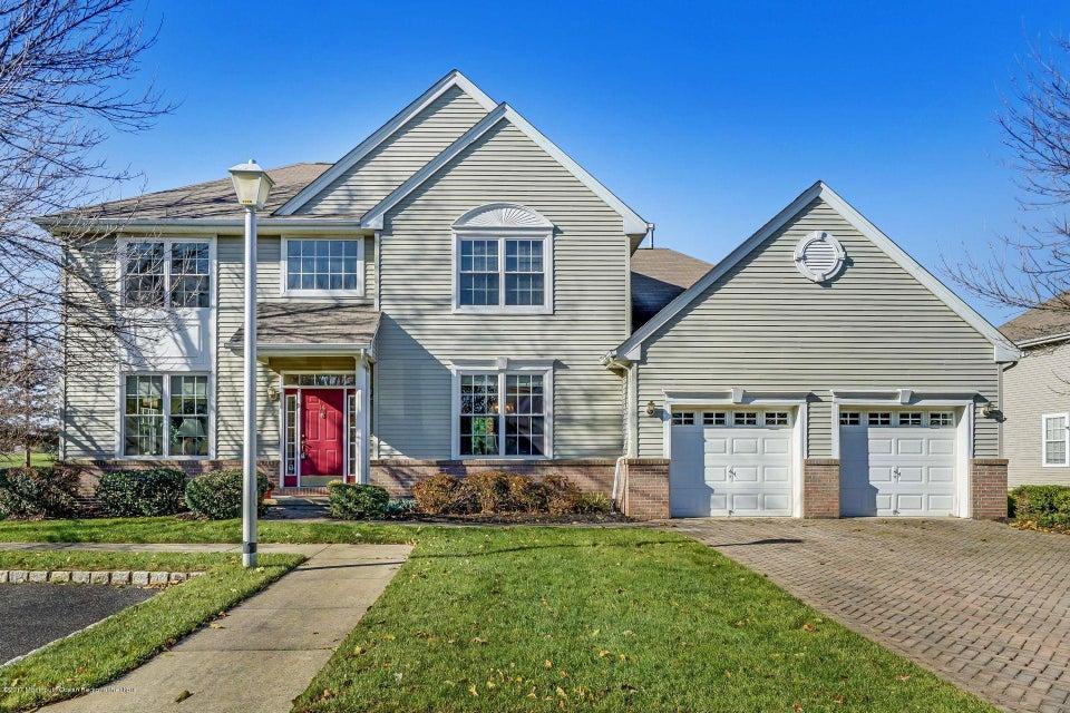 Casa para uma família para Venda às 14 Hampshire Place 14 Hampshire Place Monroe, Nova Jersey 08831 Estados Unidos