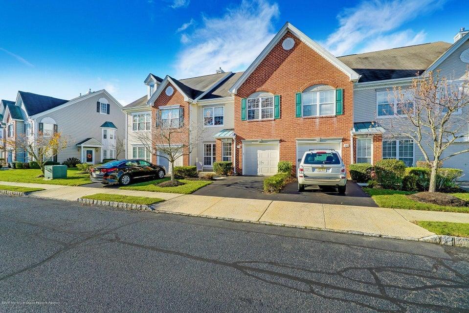 단독 가정 주택 용 매매 에 90 Tanya Circle 90 Tanya Circle Ocean Township, 뉴저지 07712 미국