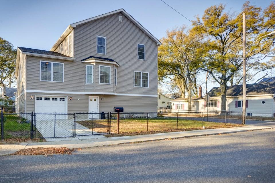 獨棟家庭住宅 為 出售 在 57 Lawrence Avenue 57 Lawrence Avenue Keansburg, 新澤西州 07734 美國