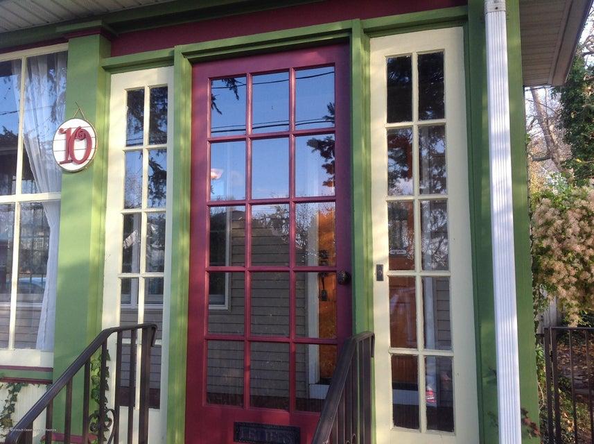 Casa Unifamiliar por un Alquiler en 10 2nd Avenue 10 2nd Avenue Atlantic Highlands, Nueva Jersey 07716 Estados Unidos