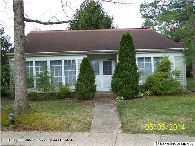 独户住宅 为 出租 在 561b Malvern Court 561b Malvern Court 曼彻斯特, 新泽西州 08759 美国