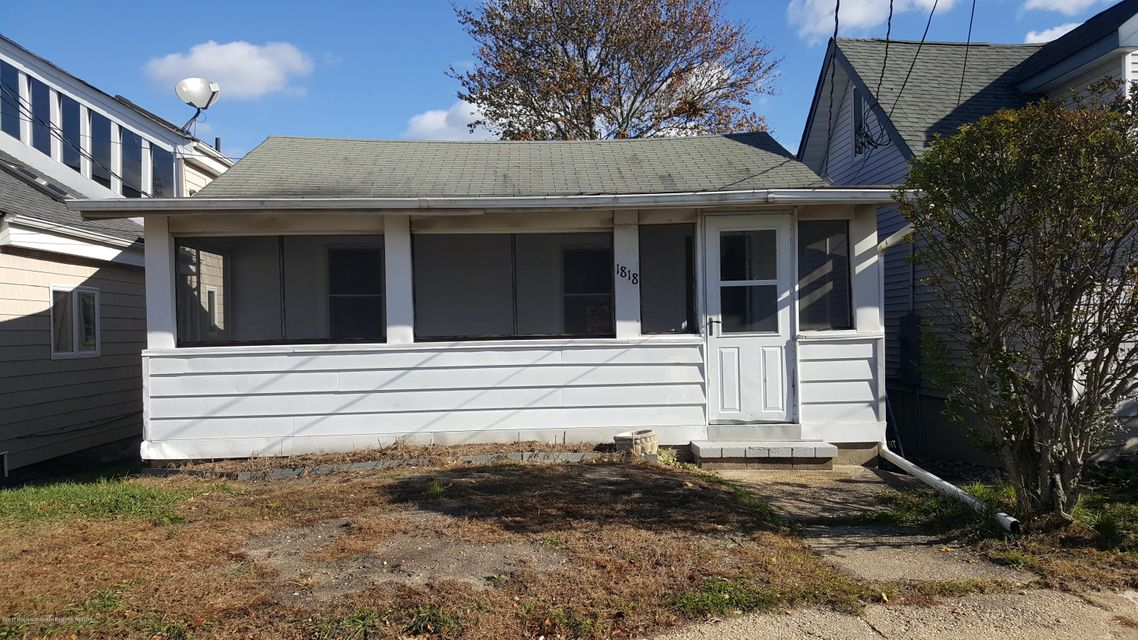 Single Family Home for Rent at 1818 Laurel Terrace 1818 Laurel Terrace Lake Como, New Jersey 07719 United States