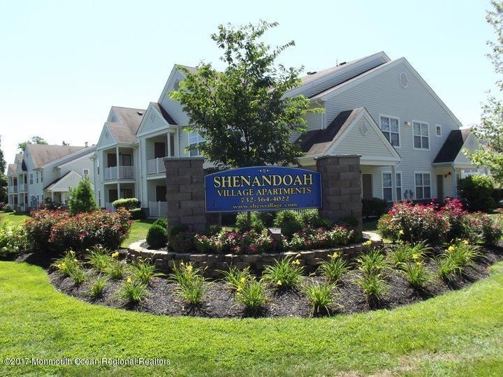 Apartment for Rent at 214 Susan Drive 214 Susan Drive Lakewood, New Jersey 08701 United States