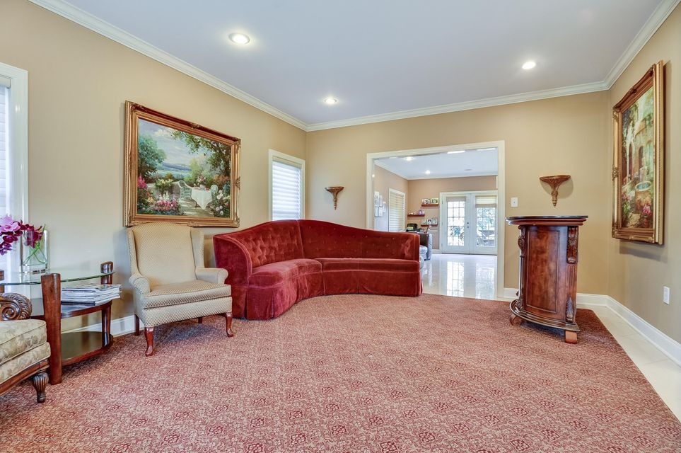 Additional photo for property listing at 877 Norwood Avenue 877 Norwood Avenue Long Branch, New Jersey 07740 États-Unis