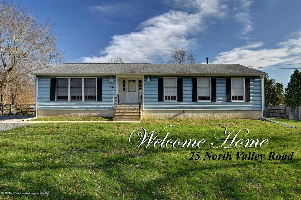 Nhà ở một gia đình vì Bán tại 25 Valley Road 25 Valley Road Roosevelt, New Jersey 08555 Hoa Kỳ