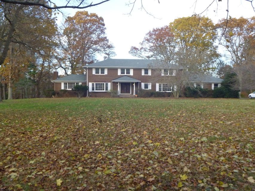 Single Family Home for Rent at 11 Page Drive 11 Page Drive Red Bank, New Jersey 07701 United States