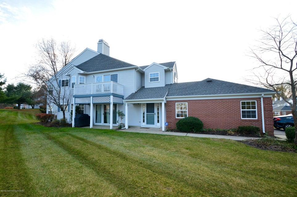 단독 가정 주택 용 매매 에 82 Mckinley Drive 82 Mckinley Drive Ocean Township, 뉴저지 07712 미국