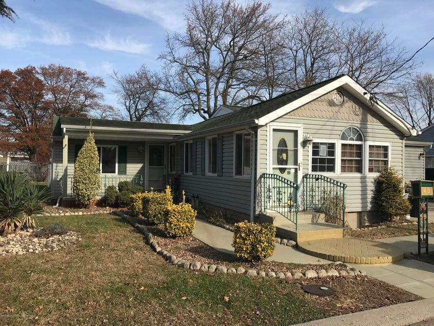 Single Family Home for Sale at 45 Krueger Place 45 Krueger Place North Middletown, New Jersey 07748 United States