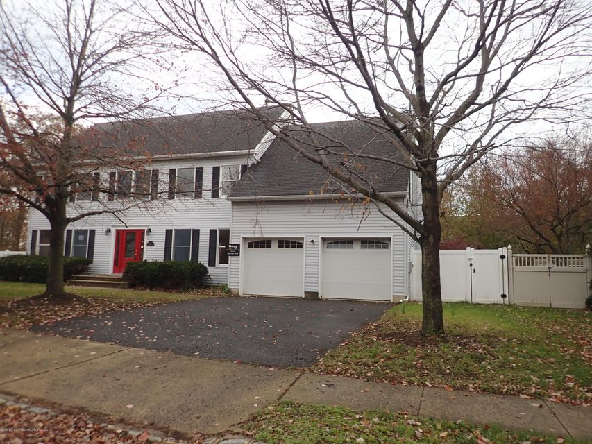 House for Sale at 8 Crab Apple Lane 8 Crab Apple Lane Belford, New Jersey 07718 United States