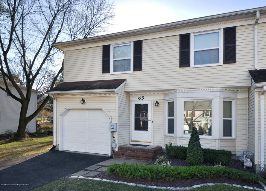 Appartement en copropriété pour l à louer à 65 Carriage Lane 65 Carriage Lane Englishtown, New Jersey 07726 États-Unis