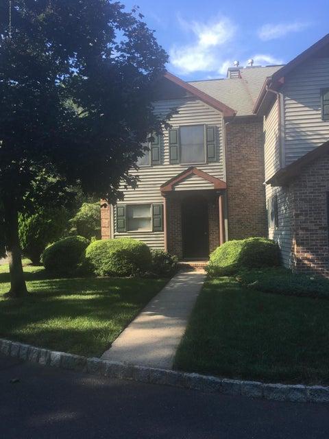 Condominio por un Alquiler en 21 Weller Place 21 Weller Place Holmdel, Nueva Jersey 07733 Estados Unidos