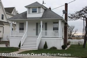 Single Family Home for Rent at 10 Griffin Street 10 Griffin Street Monmouth Beach, New Jersey 07750 United States