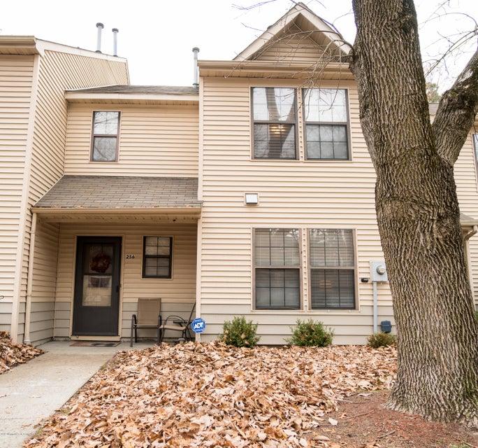 Condominium for Rent at 256 Azalea Circle 256 Azalea Circle Jackson, New Jersey 08527 United States