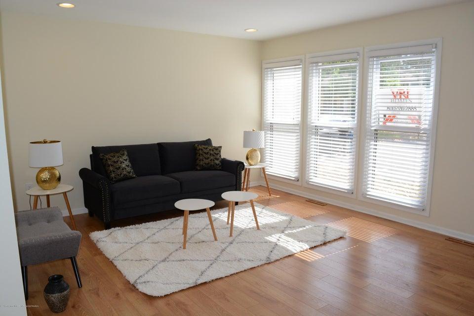 Частный односемейный дом для того Продажа на 218 Probasco Road 218 Probasco Road East Windsor, Нью-Джерси 08520 Соединенные Штаты