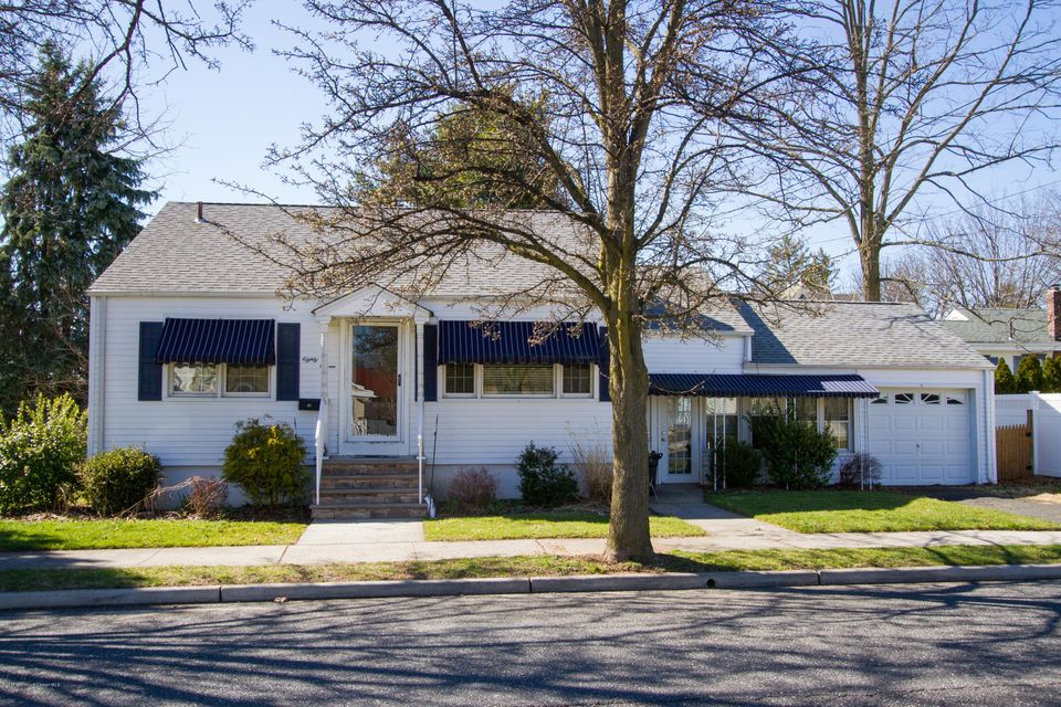 Single Family Home for Rent at 87 7th Avenue 87 7th Avenue Atlantic Highlands, New Jersey 07716 United States
