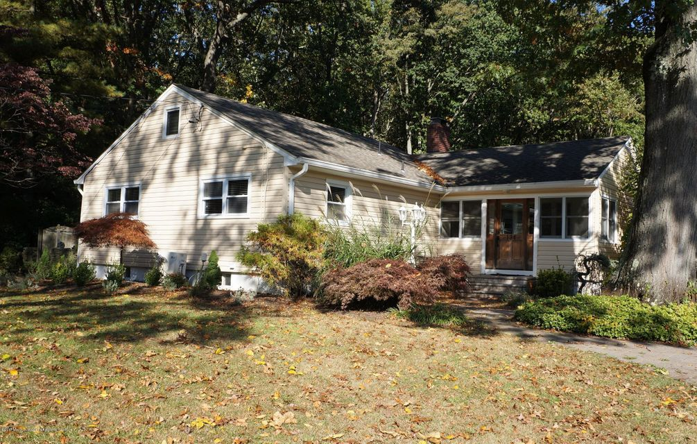 Single Family Home for Rent at 134 Montrose Road 134 Montrose Road Colts Neck, New Jersey 07722 United States