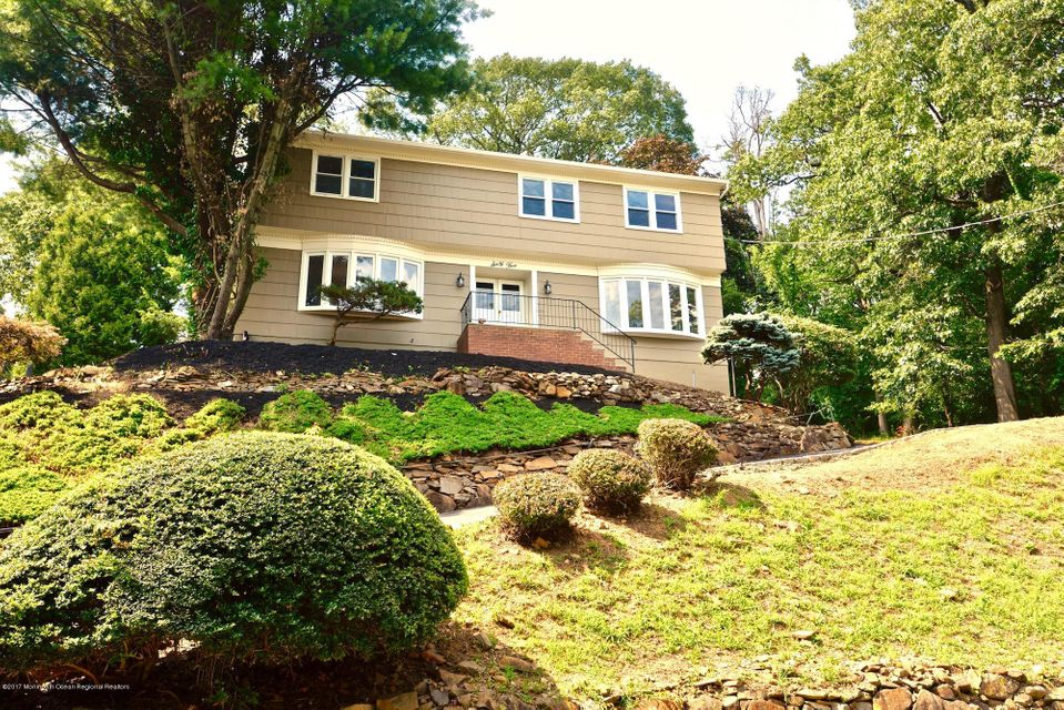Single Family Home for Sale at 65 Ridge Drive 65 Ridge Drive Berkeley Heights, New Jersey 07922 United States