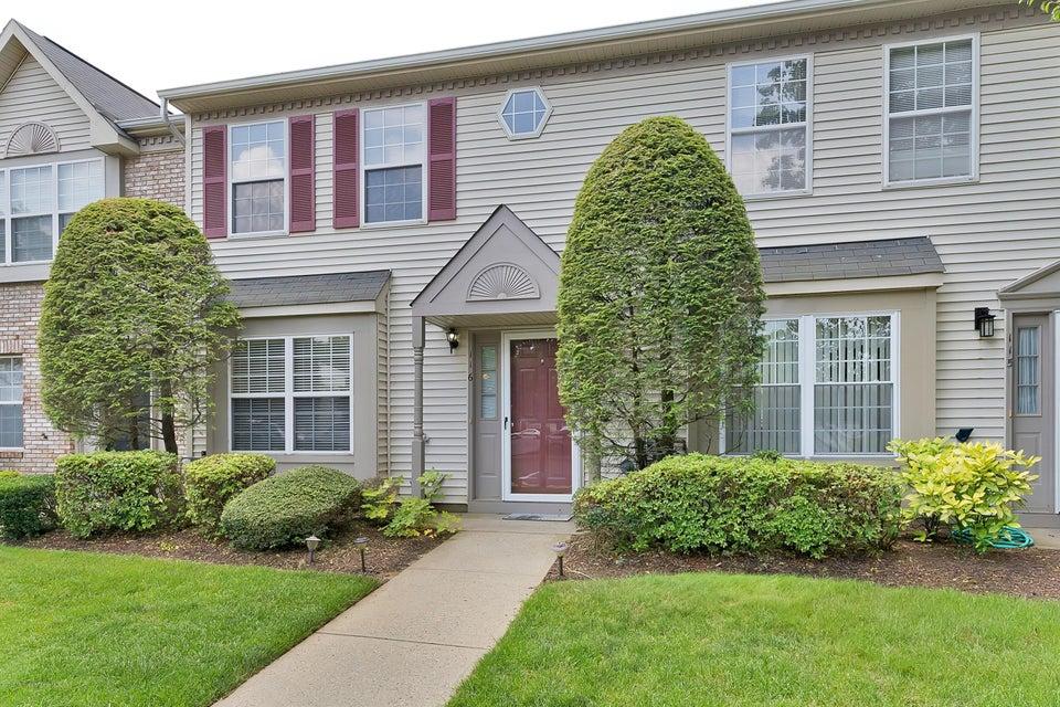 Condominio por un Alquiler en 116 Gettysburg Lane 116 Gettysburg Lane Holmdel, Nueva Jersey 07733 Estados Unidos