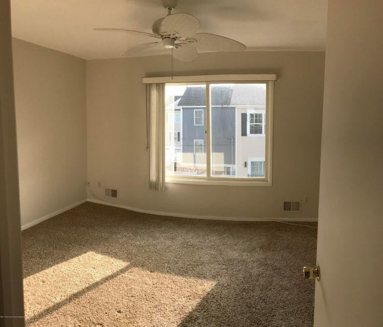 113  Strickland Boulevard - Picture 15