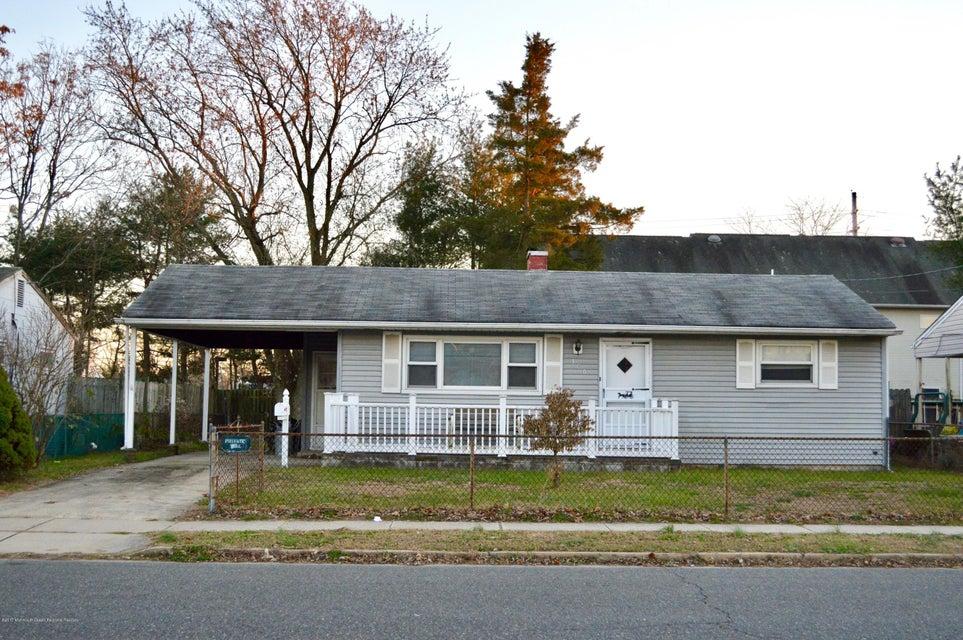 Maison unifamiliale pour l Vente à 306 Maple Street 306 Maple Street Lakehurst, New Jersey 08733 États-Unis