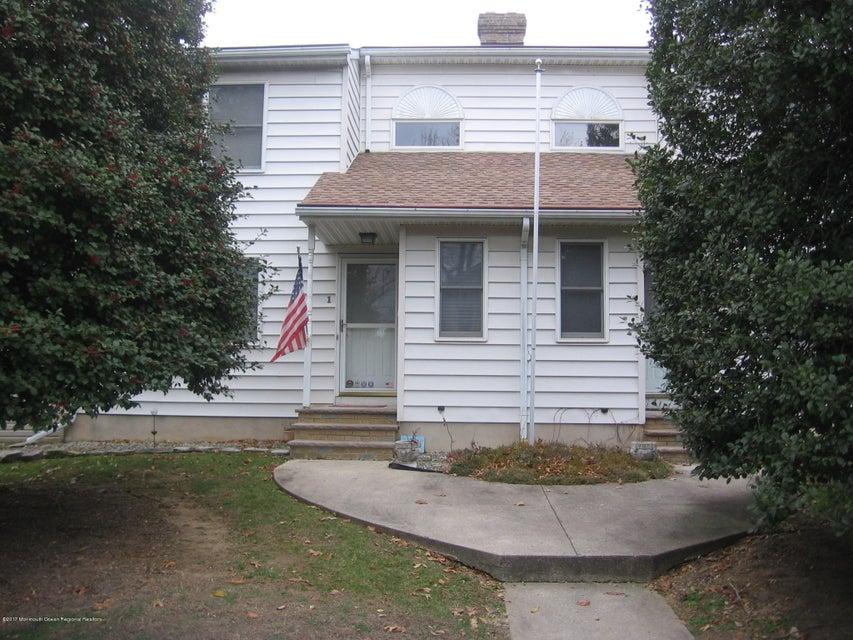 多户住宅 为 销售 在 1-3 Thomas Place 1-3 Thomas Place Parlin, 新泽西州 08859 美国