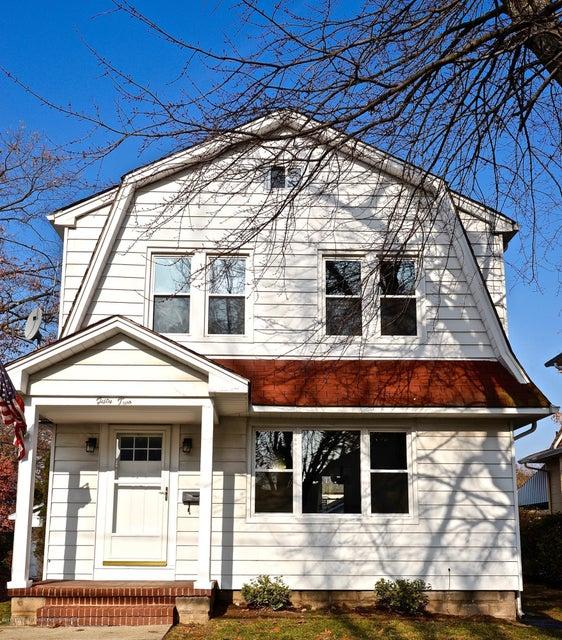 Частный односемейный дом для того Продажа на 52 Linden Avenue 52 Linden Avenue Dumont, Нью-Джерси 07628 Соединенные Штаты