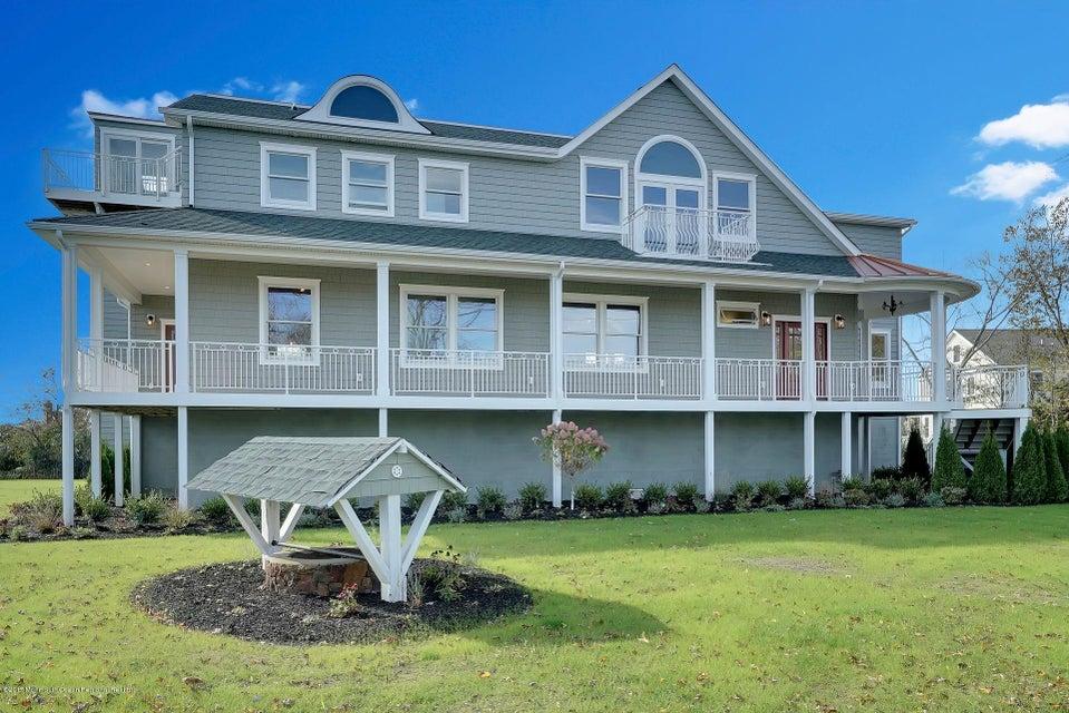 独户住宅 为 销售 在 4 Meadow Avenue 4 Meadow Avenue 蒙莫斯郡, 新泽西州 07750 美国