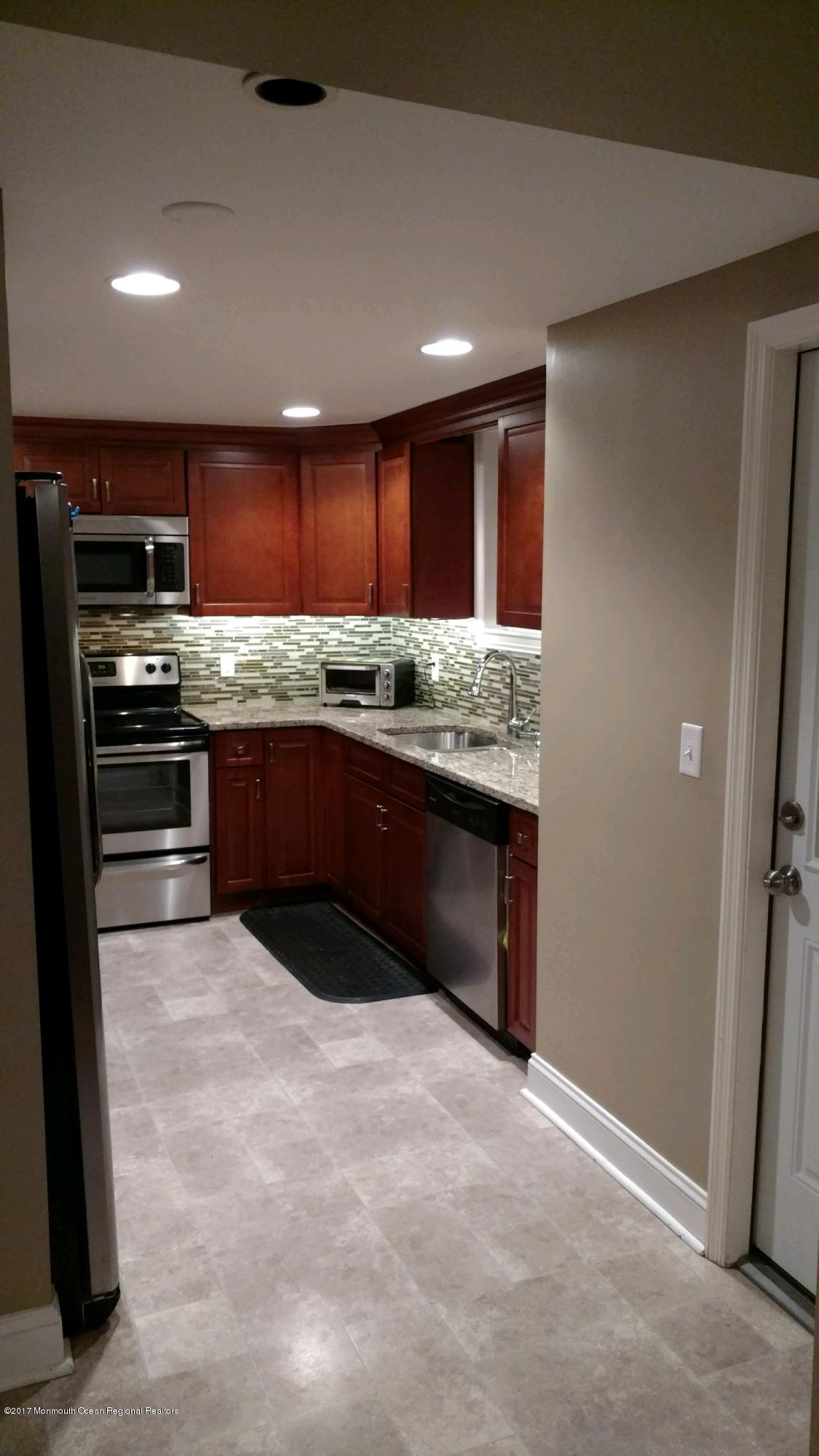 4 clinton Kitchen