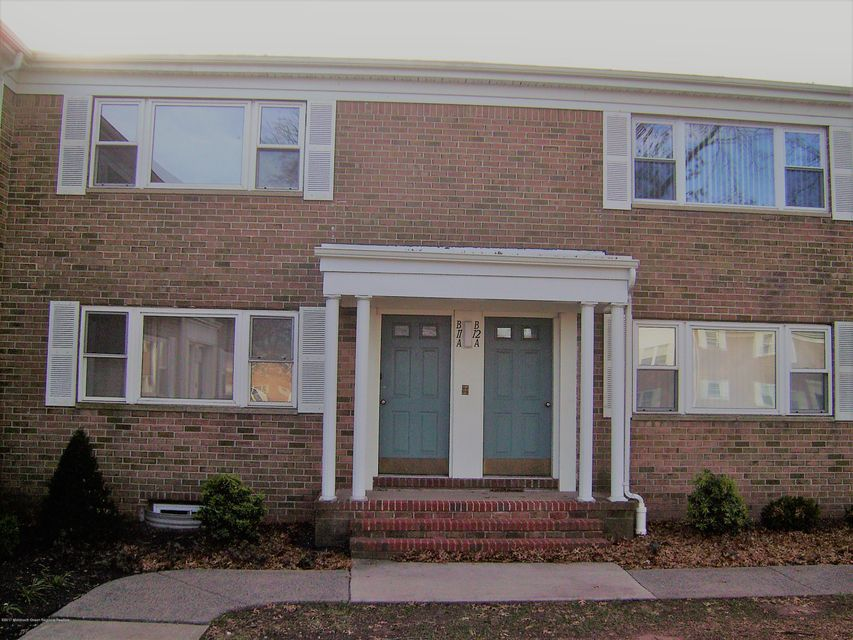 Vivienda unifamiliar por un Venta en 193 Evergreen Road 193 Evergreen Road Edison, Nueva Jersey 08837 Estados Unidos