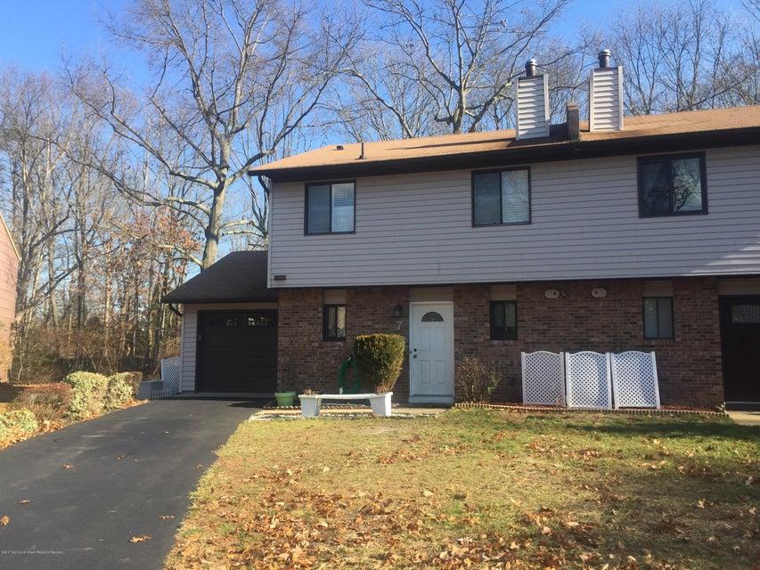 Appartement en copropriété pour l à louer à 7 Robin Road 7 Robin Road Howell, New Jersey 07731 États-Unis