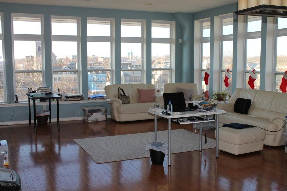 独户住宅 为 销售 在 358 Rector Street 358 Rector Street Perth Amboy, 新泽西州 08862 美国
