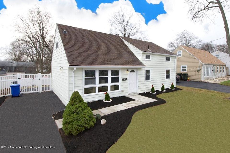 Single Family Home for Sale at 16 Iselin Parkway 16 Iselin Parkway Iselin, New Jersey 08830 United States