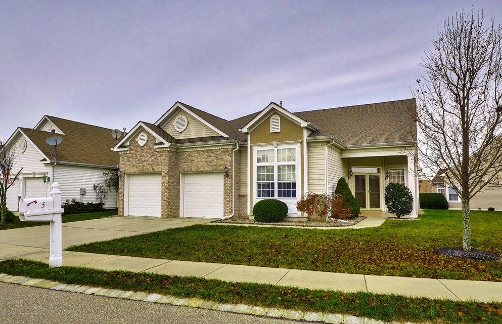 独户住宅 为 销售 在 5 Sea Girt Lane 5 Sea Girt Lane Waretown, 新泽西州 08758 美国
