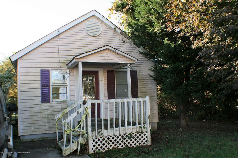 Single Family Home for Sale at 69 Taylor Avenue 69 Taylor Avenue Hamilton, New Jersey 08610 United States