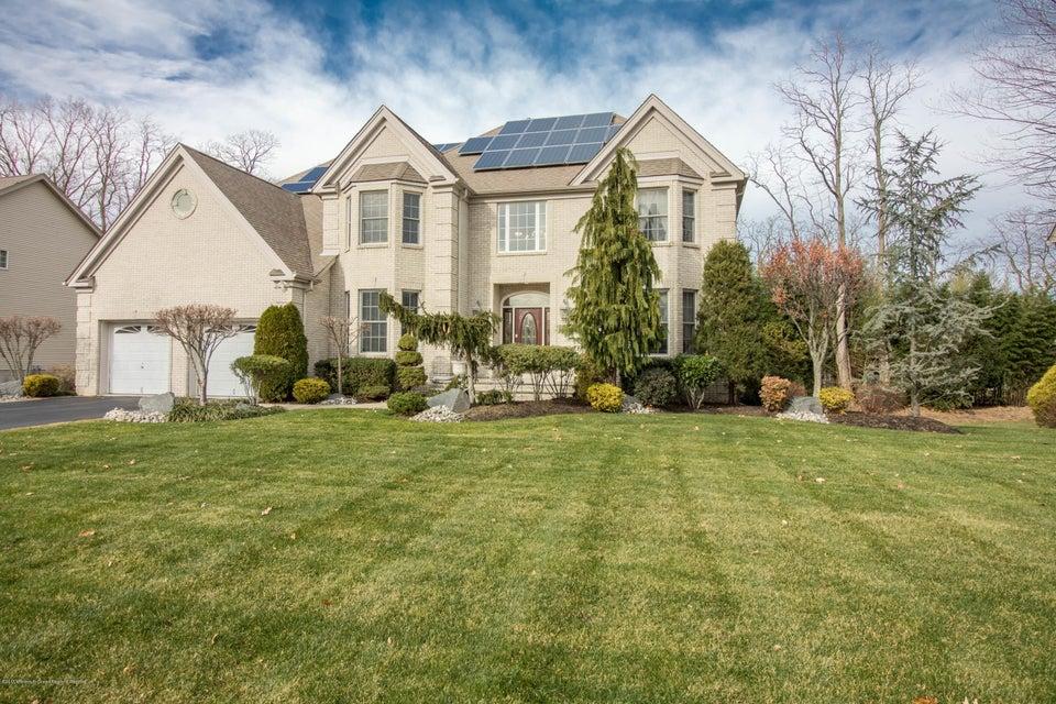独户住宅 为 销售 在 19 Taylors Run 19 Taylors Run 廷顿瀑布市, 新泽西州 07712 美国