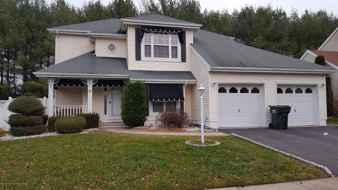 獨棟家庭住宅 為 出租 在 17 Enclosure Drive 17 Enclosure Drive Morganville, 新澤西州 07751 美國
